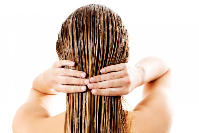 تفتيح لون الشعر.. وصفات منزلية طبيعية