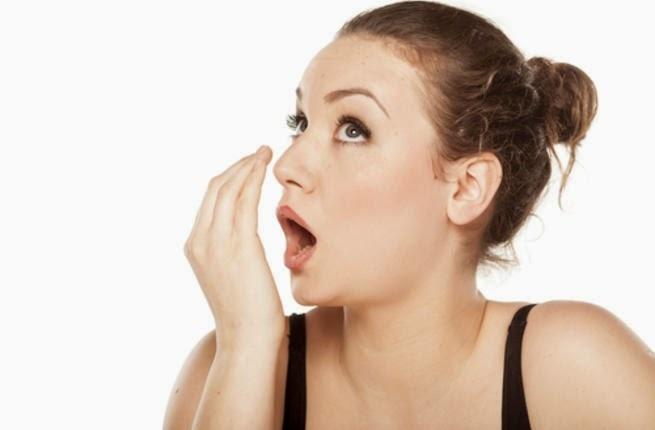 علاج رائحة الفم الكريهة.. وصفات منزلية