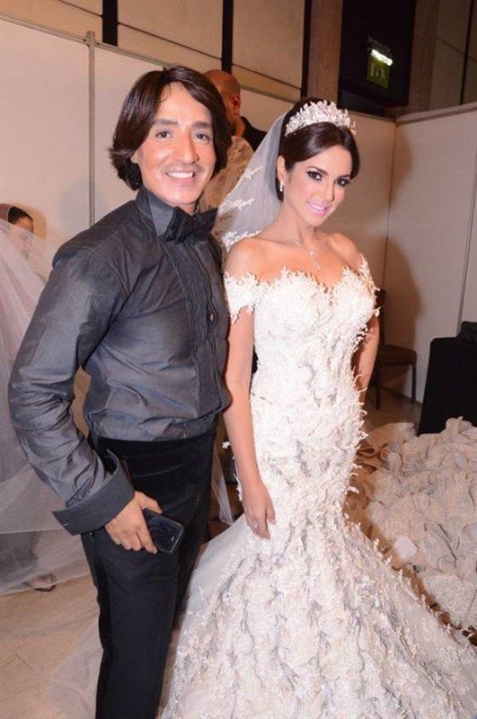 فنانات بفساتين الزفاف